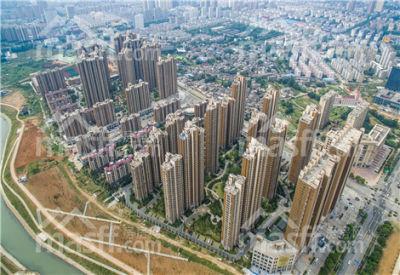 东方城一期,拎包入住,精装修,低于市场价,没有税